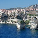 Visiter la Corse du sud en famille : la location saisonnière s'impose<