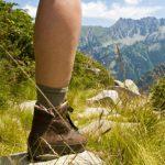 Prendre soin des pieds pendant une randonnée pédestre